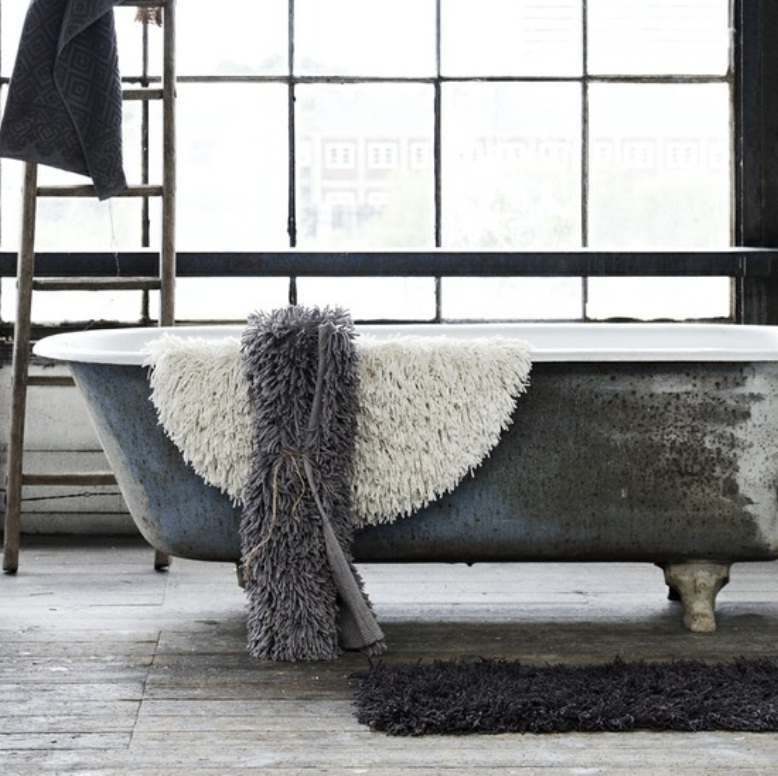 rustic-bathtub-ideas-for-creative-bathroom